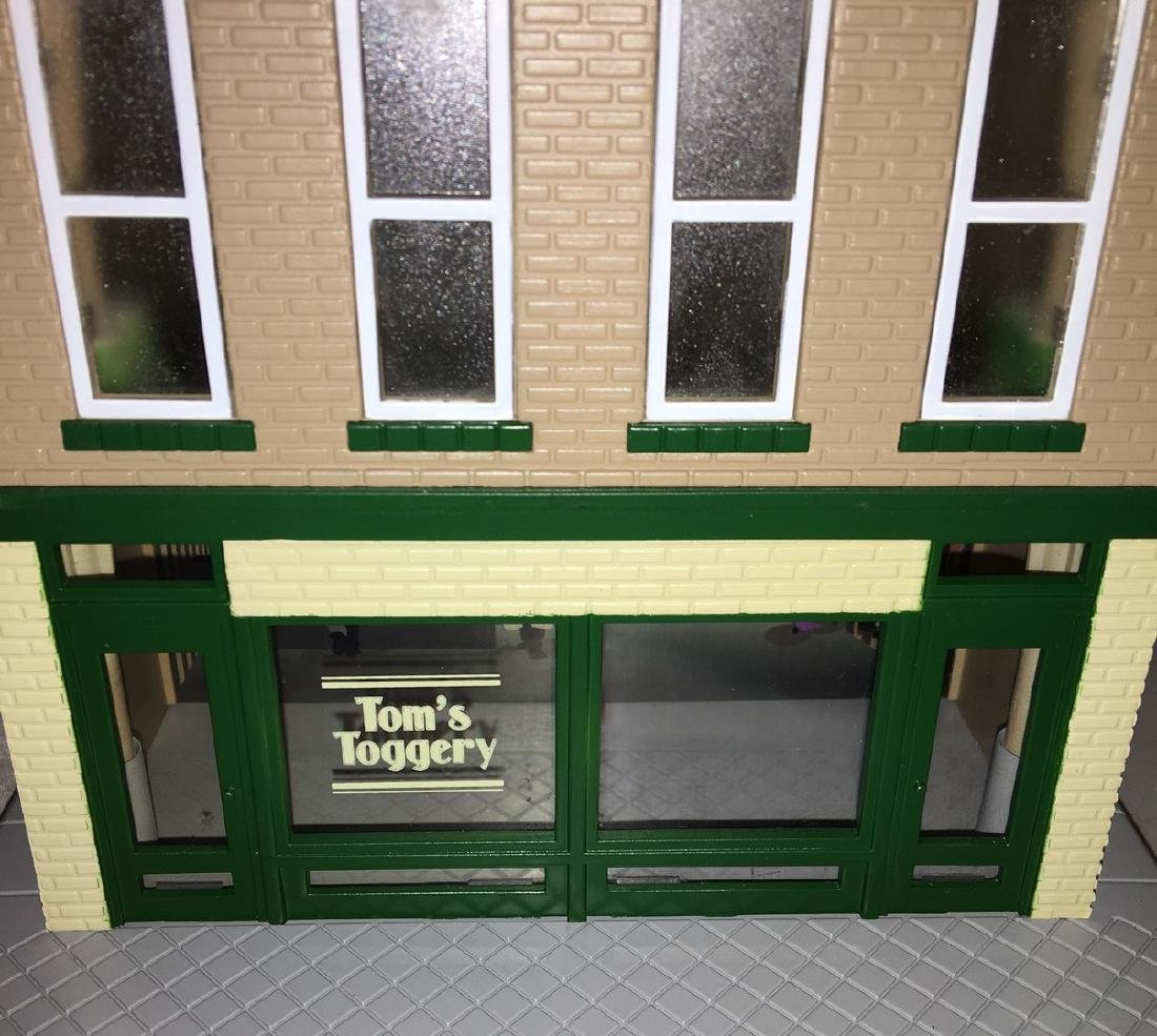 MTH Toms Toggerty O Gauge 3-Story Building - 5