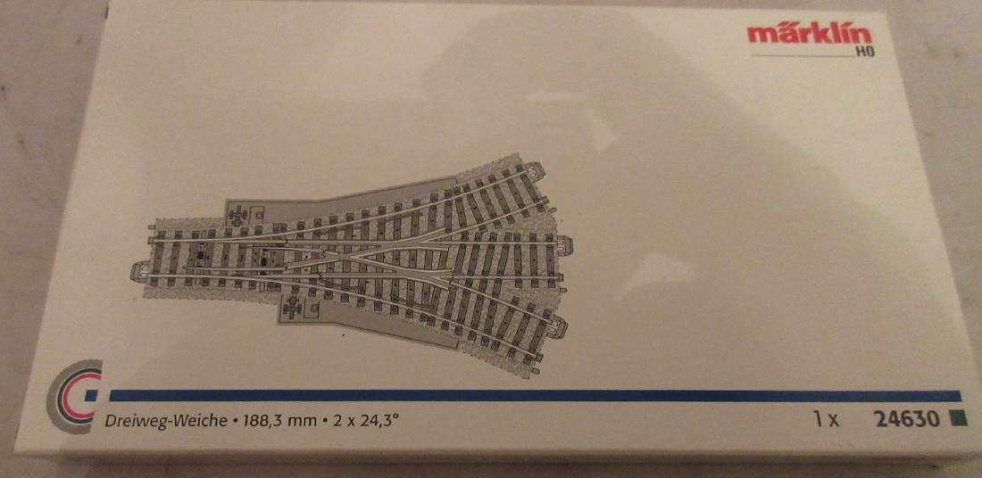 Marklin 24630 HO Scale Three Way Switch - 2