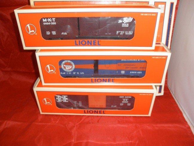 17: TWO (2) LIONEL 19292 6464 O GAUGE BOX CAR SERIES VI