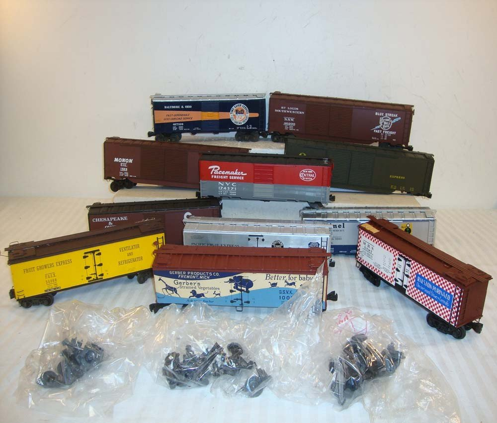 16: 11 ATHEARN O GAUGE BOX AND REEFER CARS