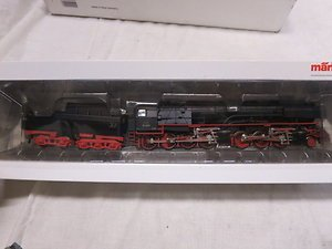 MARKLIN 3502 HO GAUGE 2-6-8-0 STEAM ENGINE OB