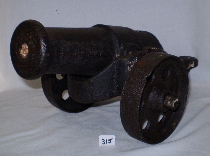 380: 18th Century signal Cannon