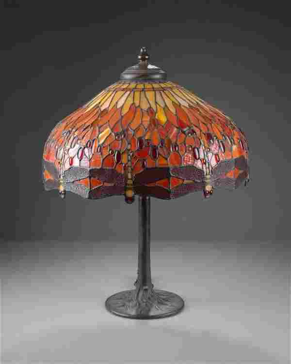 A TIFFANY STYLE ART GLASS DRAGONFLY TABLE LAMP