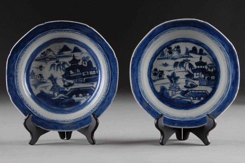 7: A CANTON BLUE AND WHITE PLATE,
