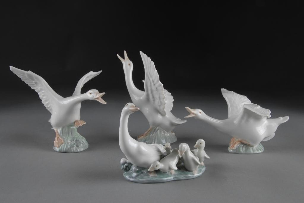 6: FOUR LLADRO WHITE PORCELAIN FIGURES OF GEESE,