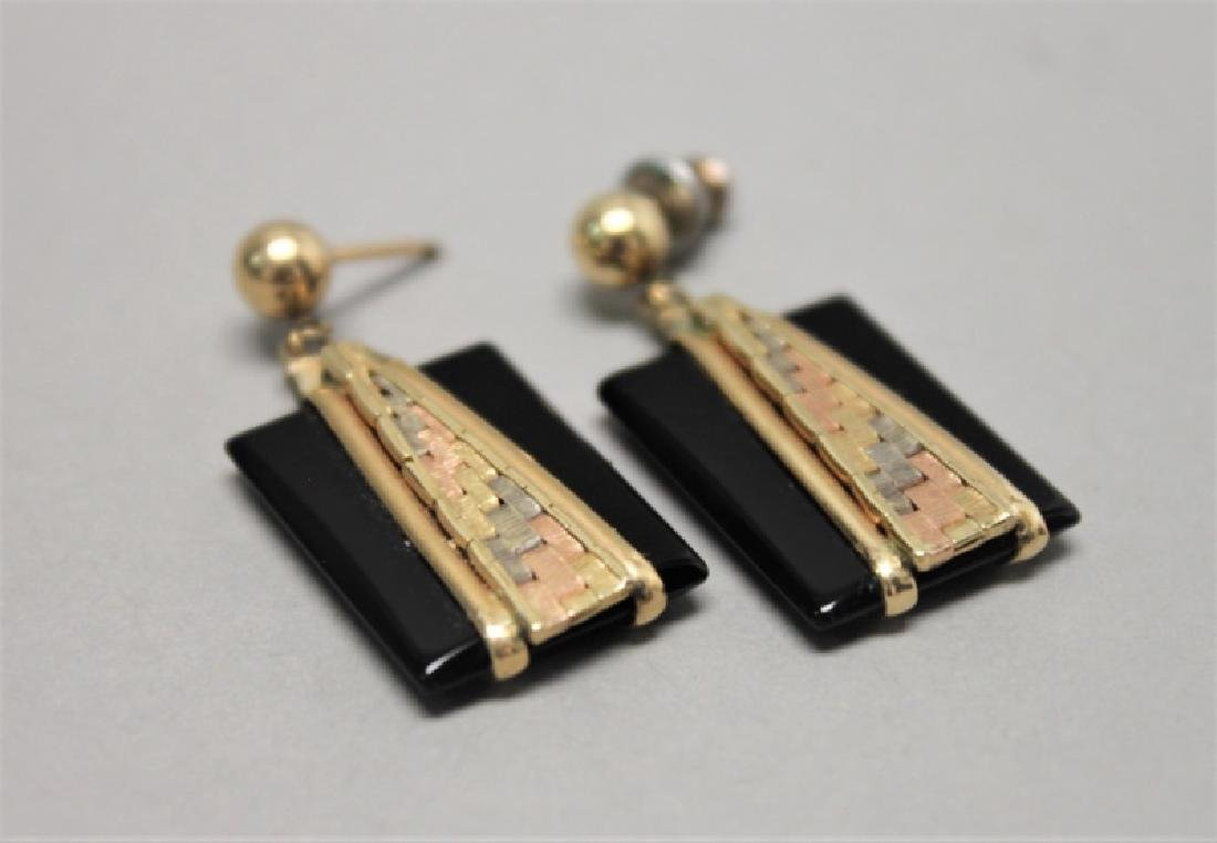 (5) Pairs 14K Gold Jade pearl & Onyx Earrings - 4