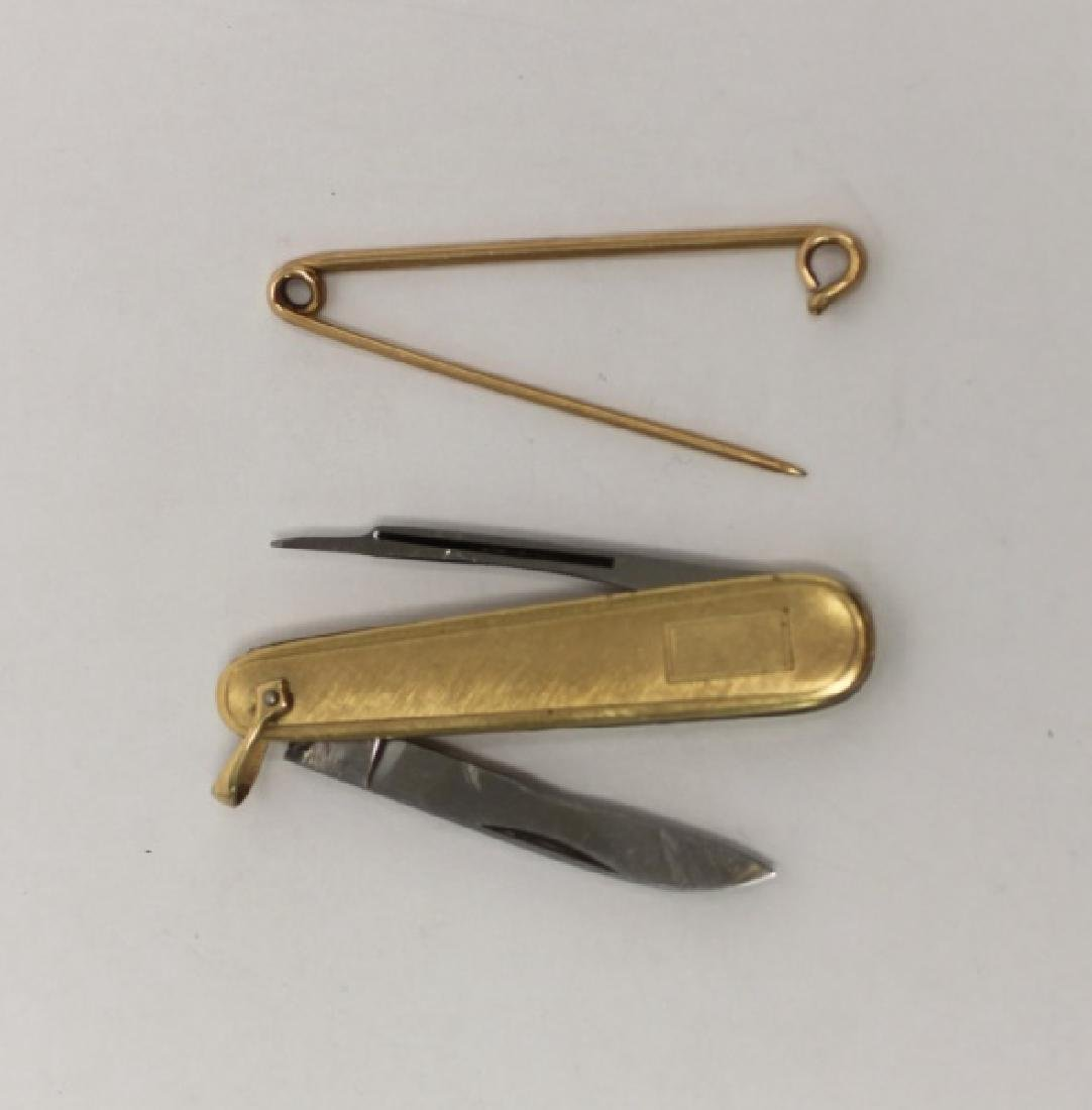 14K Gold Men's Lot: Cuff links, Lighter, Stirrer - 8