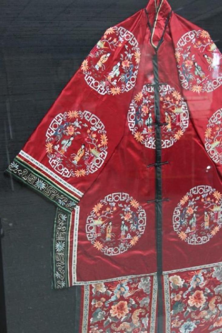 Framed Chinese Silk Embroidered Mandarin Jacket - 4