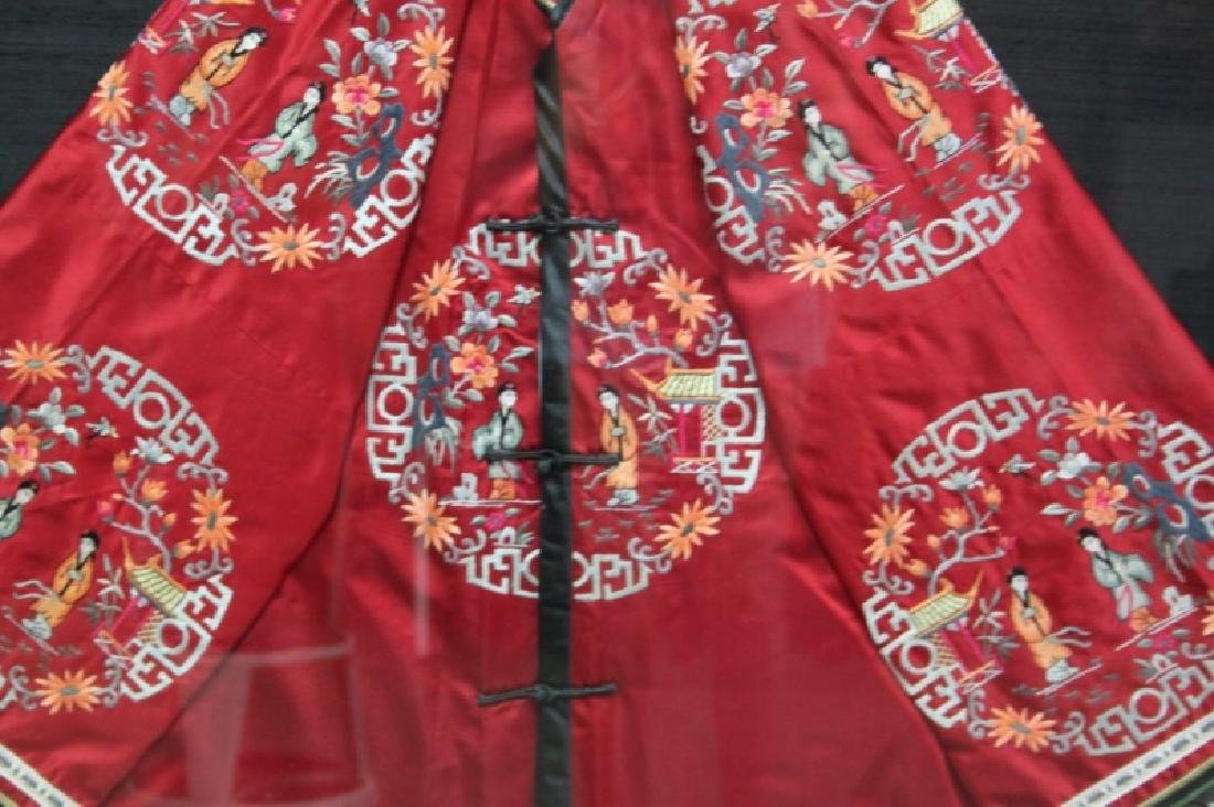 Framed Chinese Silk Embroidered Mandarin Jacket - 5