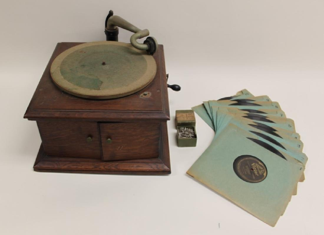 Victor Talking Machine Co. Victrola Phonograph