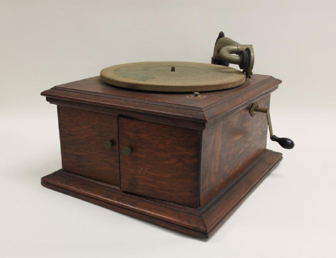Victor Talking Machine Co. Victrola Phonograph - 2