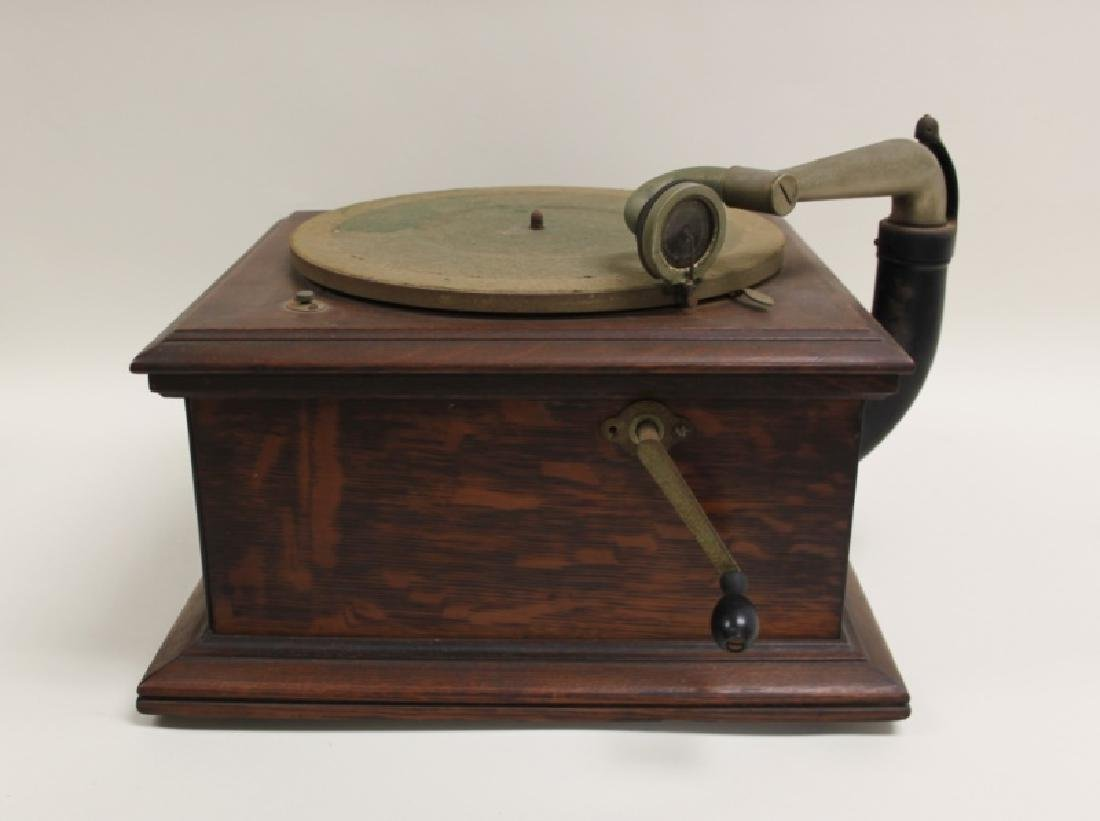 Victor Talking Machine Co. Victrola Phonograph - 3