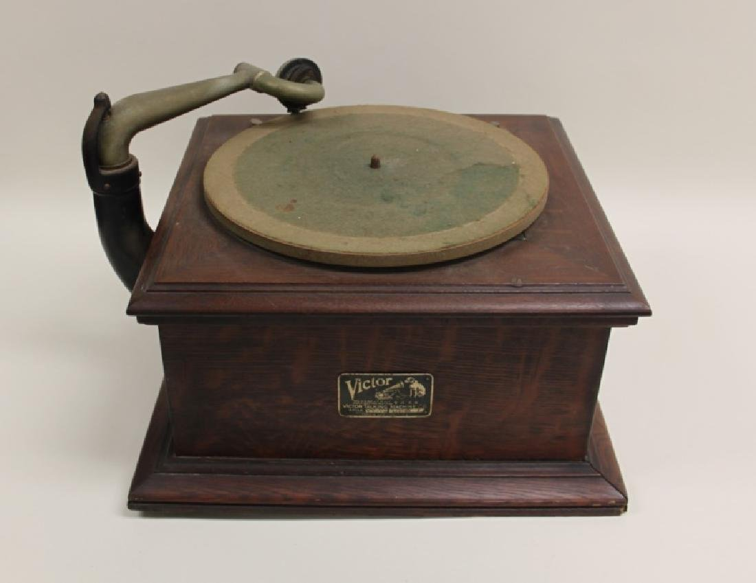 Victor Talking Machine Co. Victrola Phonograph - 5