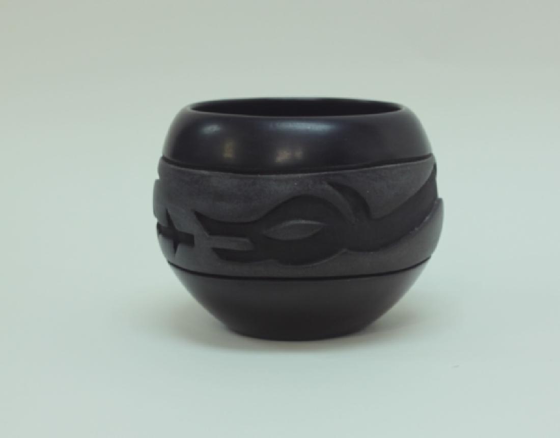 Santa Clara Pueblo Pottery Olla w Snake & Lizard
