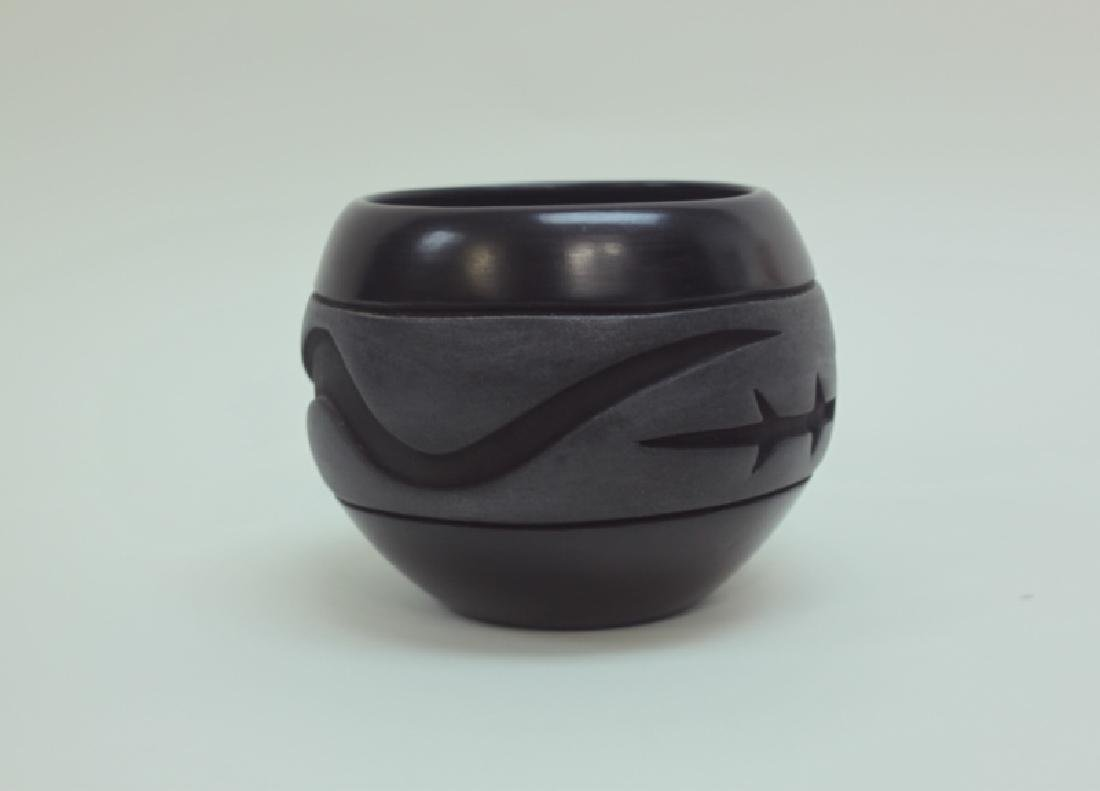 Santa Clara Pueblo Pottery Olla w Snake & Lizard - 2