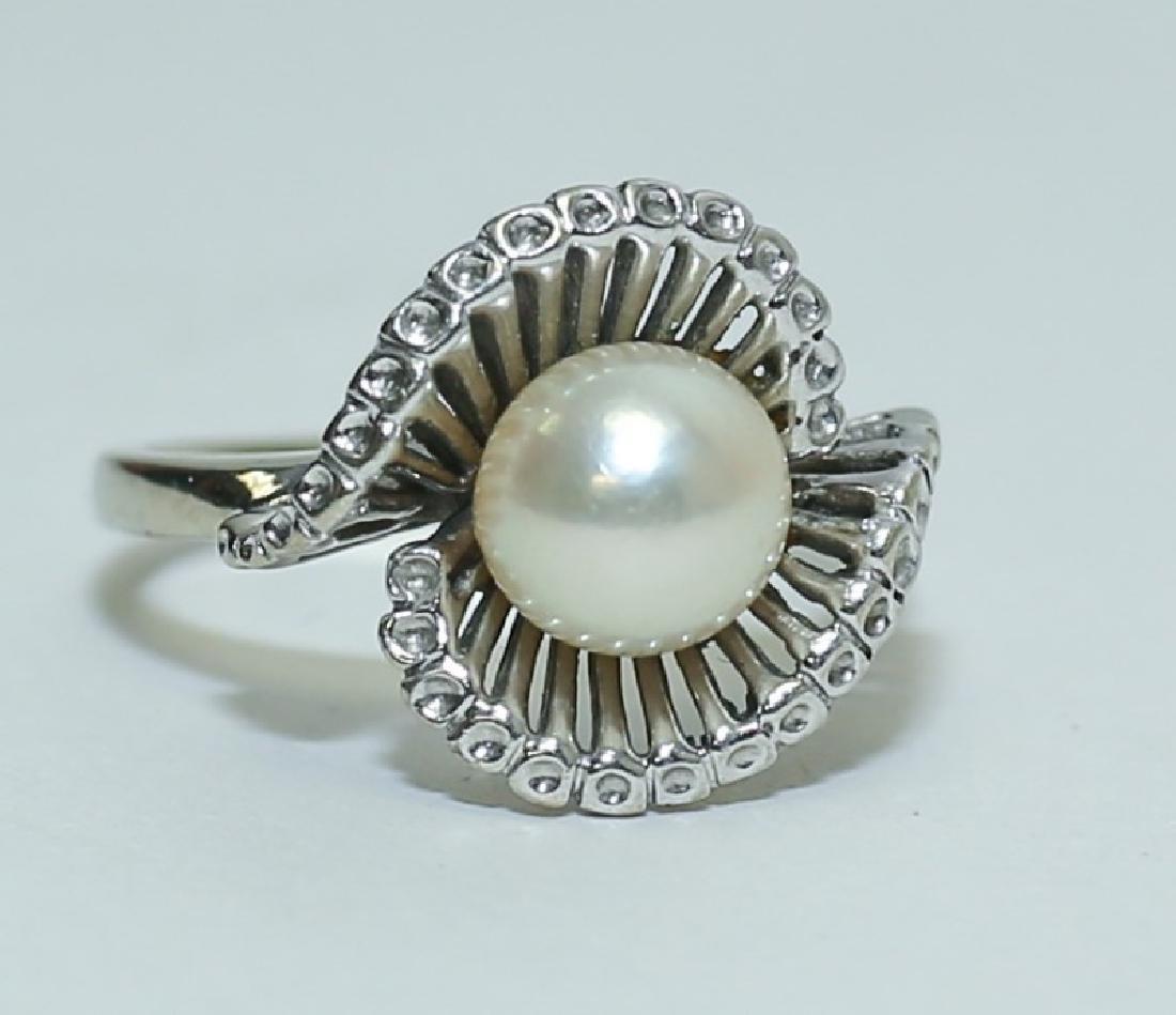 Vintage 1960's 14K White Gold & Pearl Ladies Ring