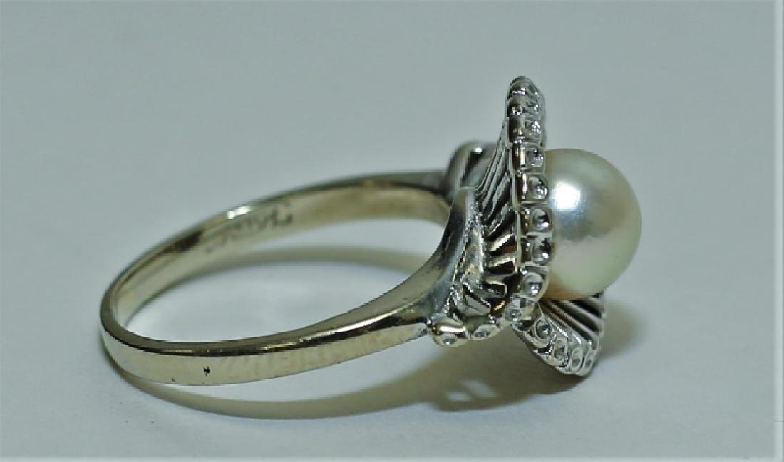 Vintage 1960's 14K White Gold & Pearl Ladies Ring - 2