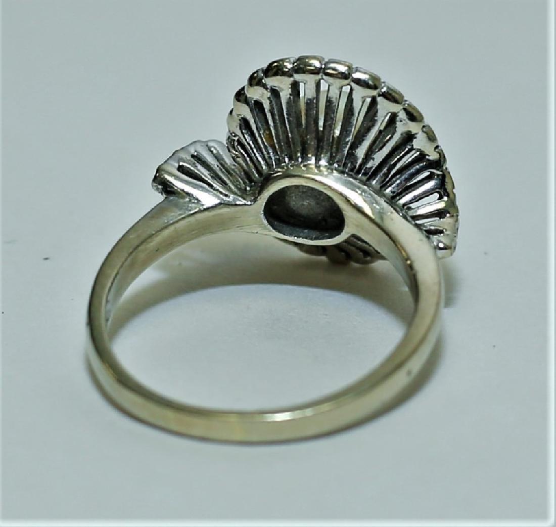 Vintage 1960's 14K White Gold & Pearl Ladies Ring - 3