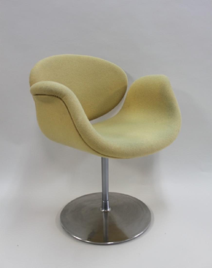 Pair Pierre Paulin Artifort Little Tulip Chairs - 4