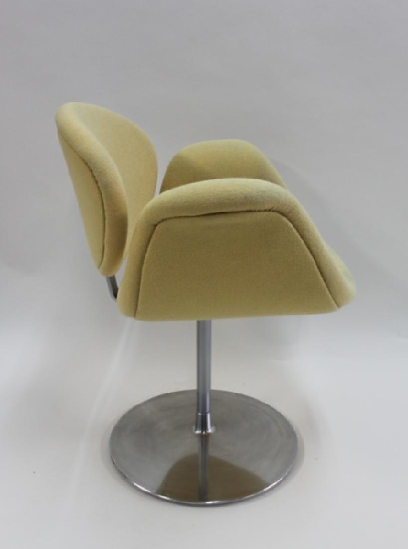 Pair Pierre Paulin Artifort Little Tulip Chairs - 5