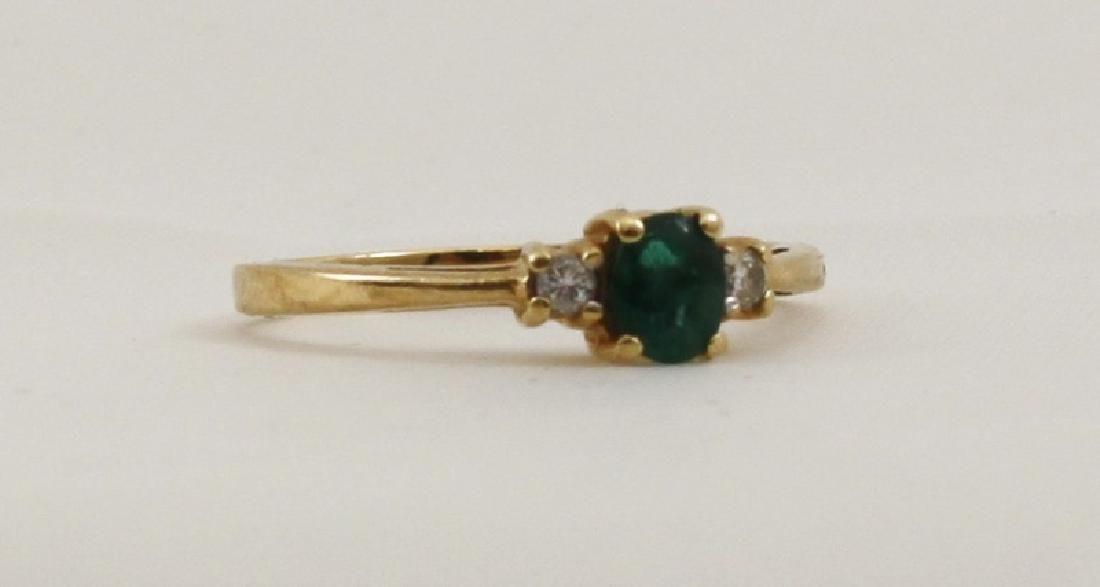 14k Ladies Yellow Gold Ring w Emerald & Diamonds
