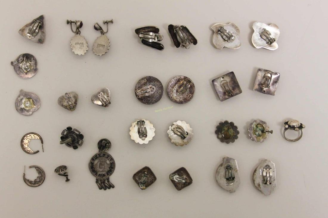 (28) Vintage Mexican 925 Sterling Clip-on Earrings - 2