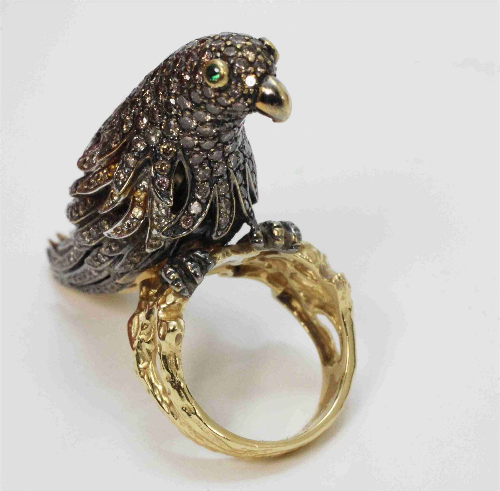 18k White & Yellow Gold Ring w a Jeweled Parrot