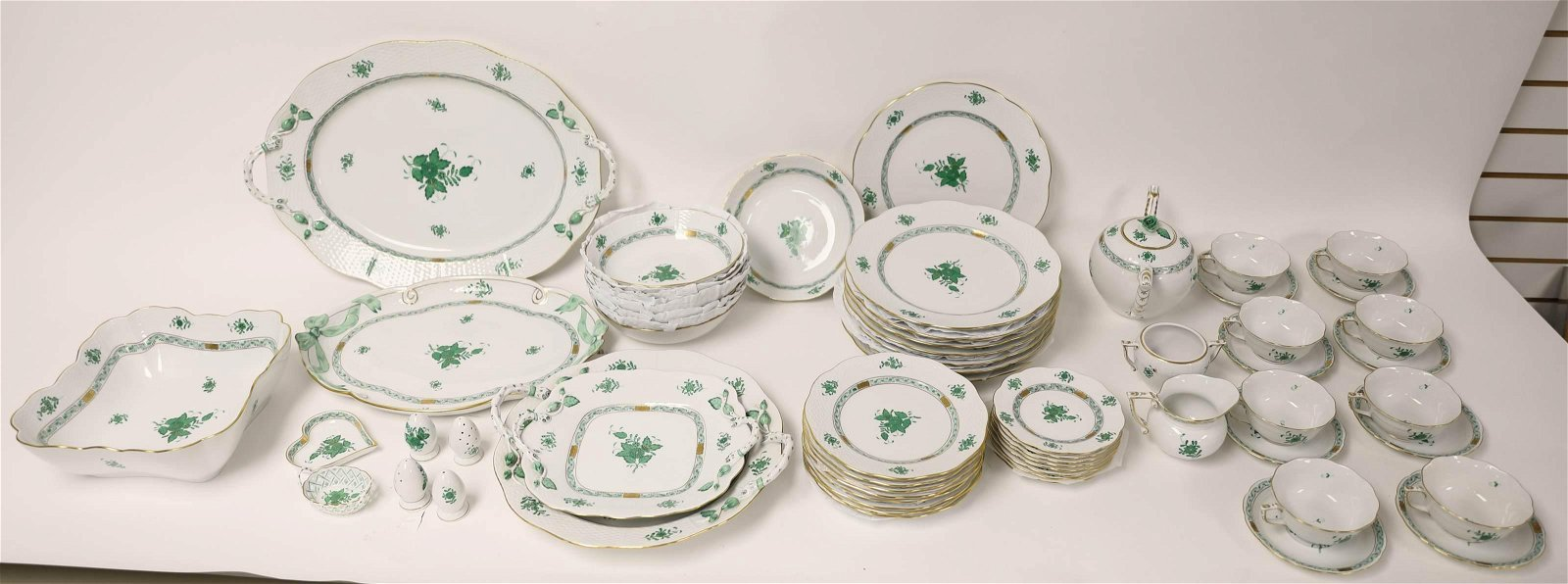 54pc Herend Green Chinese Bouquet China Dinnerware