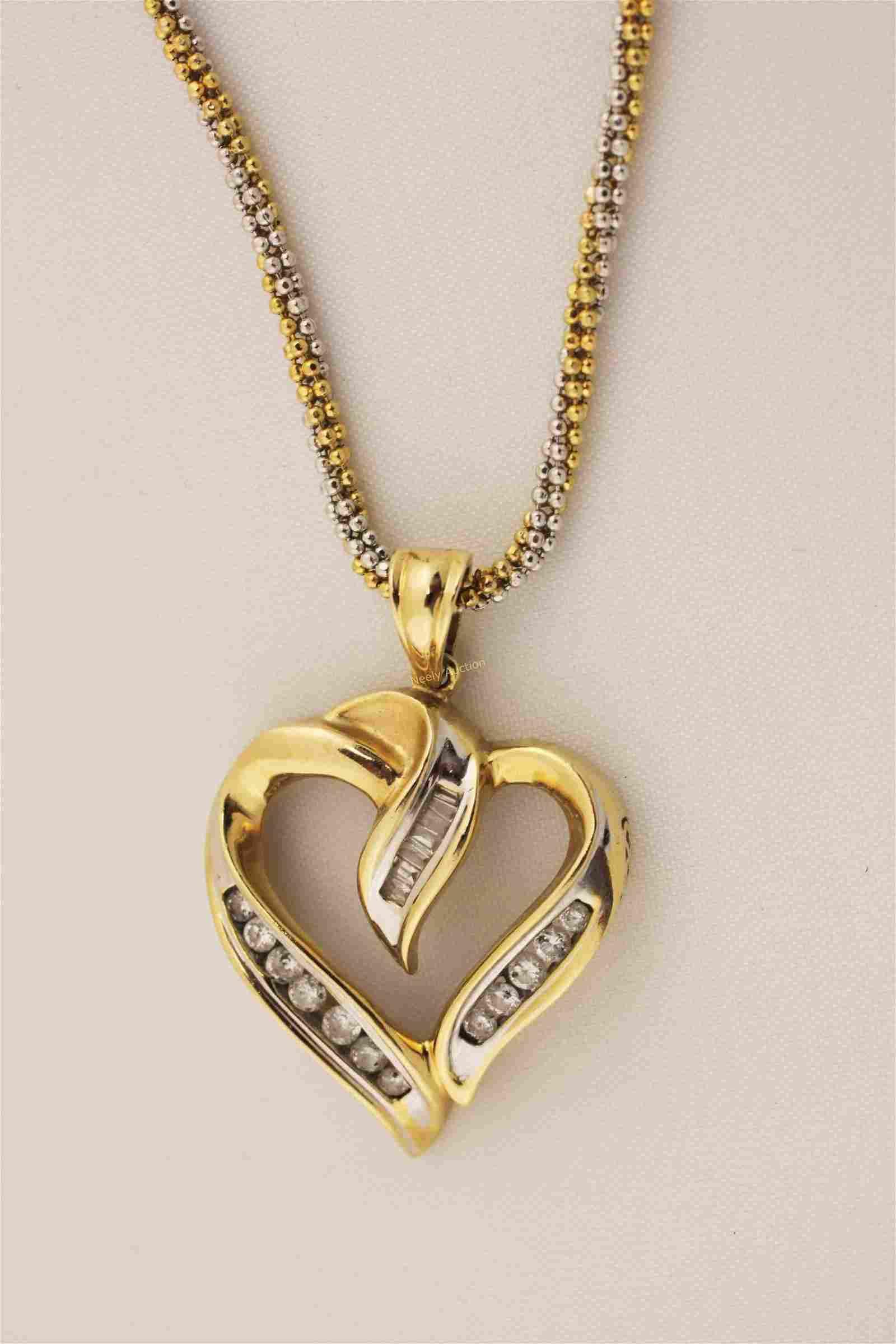 14K Gold w Diamond Heart Shape Pendant Necklace