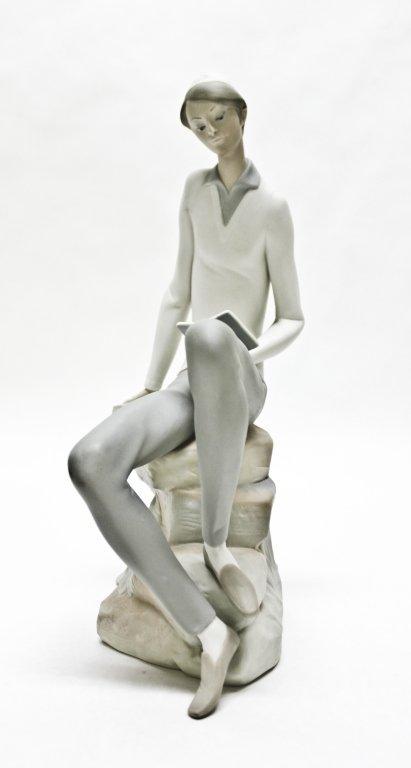 73: Lladro Hebrew Student Figurine, Discontinued
