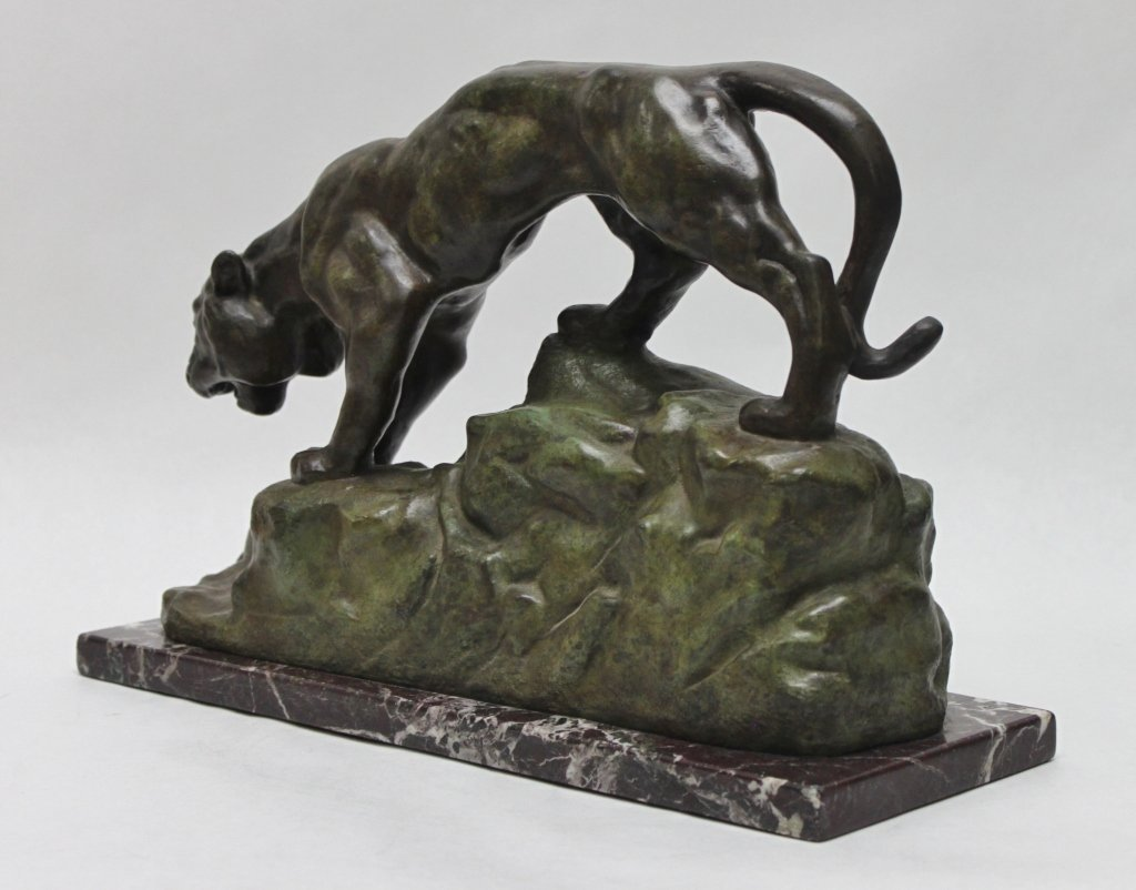 "182: Bronze Sculpture of a Mountain Lion signed ""Bayre"" - 2"