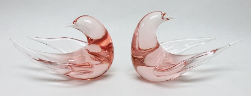 14: Pair of Murano Art Glass Doves