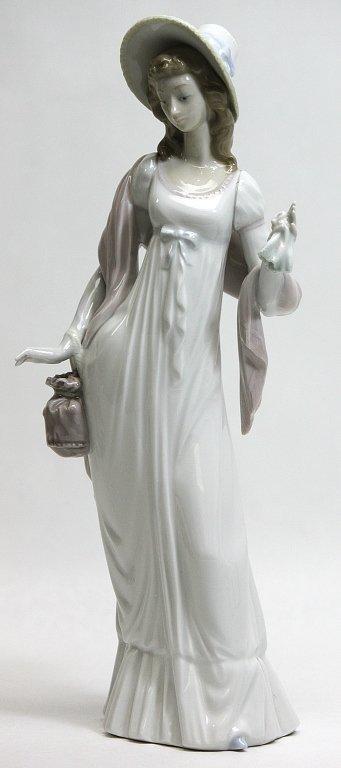"302: Lladro Porcelain Figurine Dainty Lady"""""