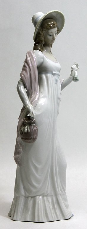 "302: Lladro Porcelain Figurine Dainty Lady"""" - 2"