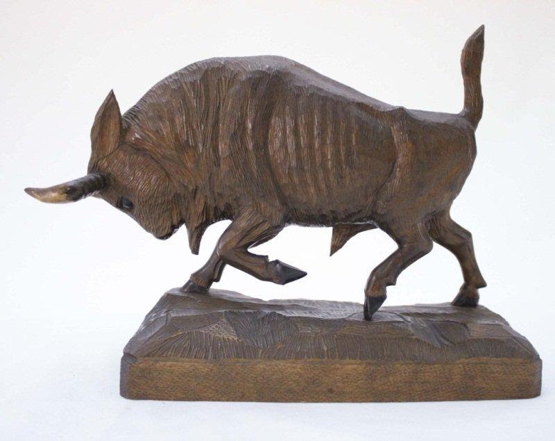 Erzegeberg Carved Wood Bison