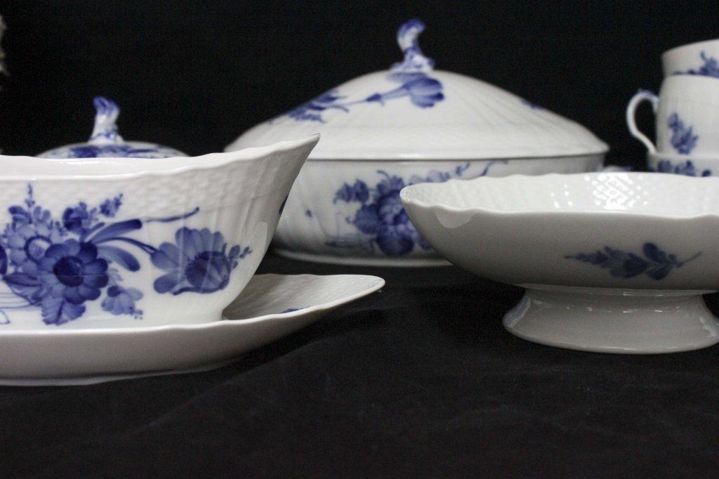 Royal Copenhagen China Blue Flowers Braided 120pc - 7