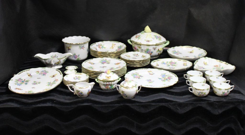 Herend China Queen Victoria - Braided Edge 40pc