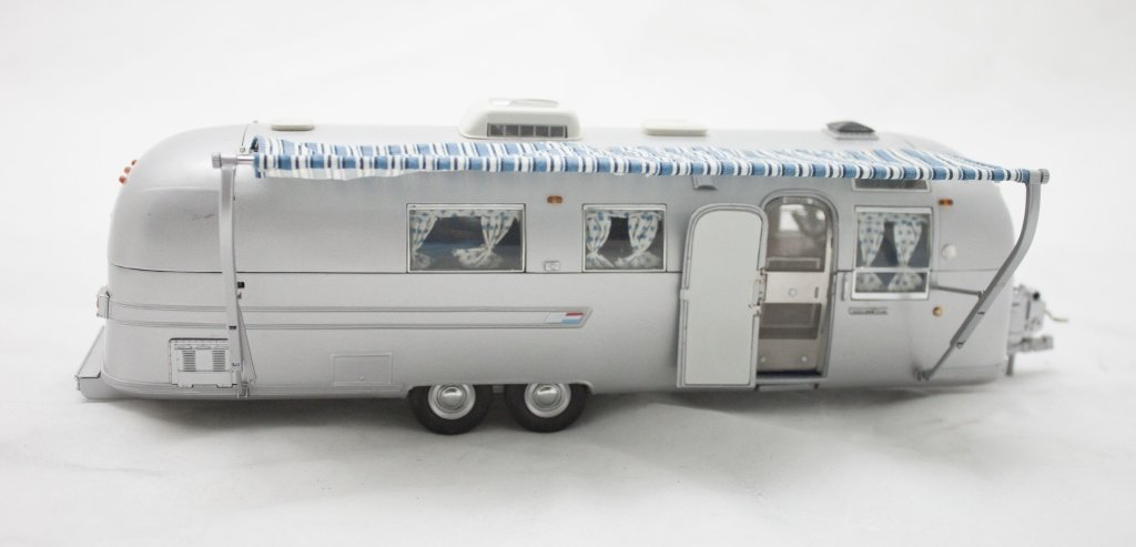 1968 Franklin Mint Airstream Land Yacht Limited E