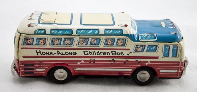 """Kanto Tin Toy """"Honk-Along Children Bus"""""""