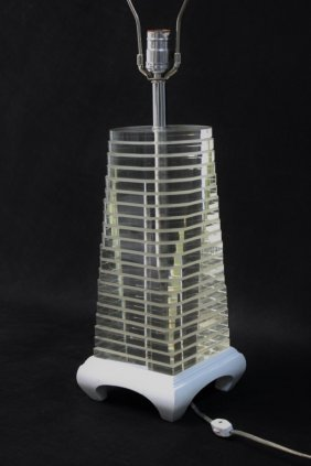 Vintage Mcm Stacked Pagoda Form Lucite Table Lamp