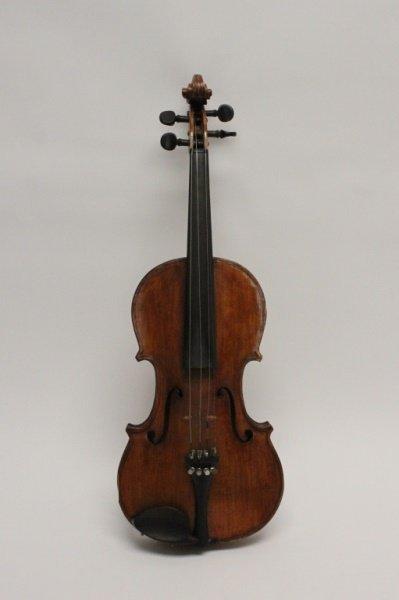 Antique 19/20th C Burl Maple Violin w/ 2 Bows