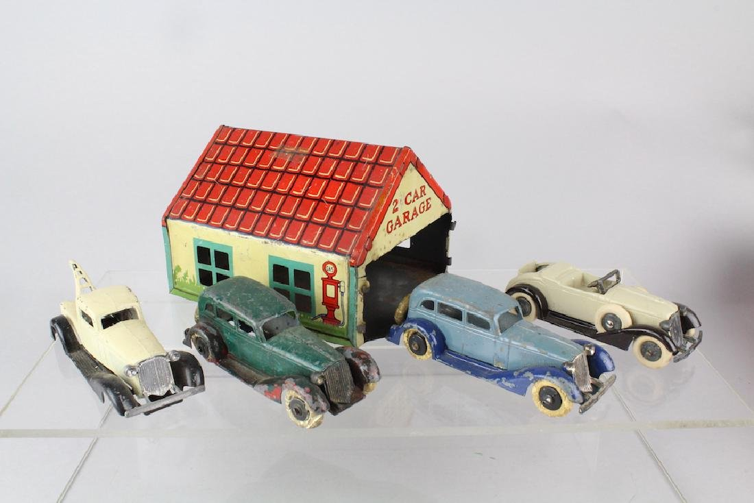 Tootsietoy Graham Cars & Wrecker & Garage