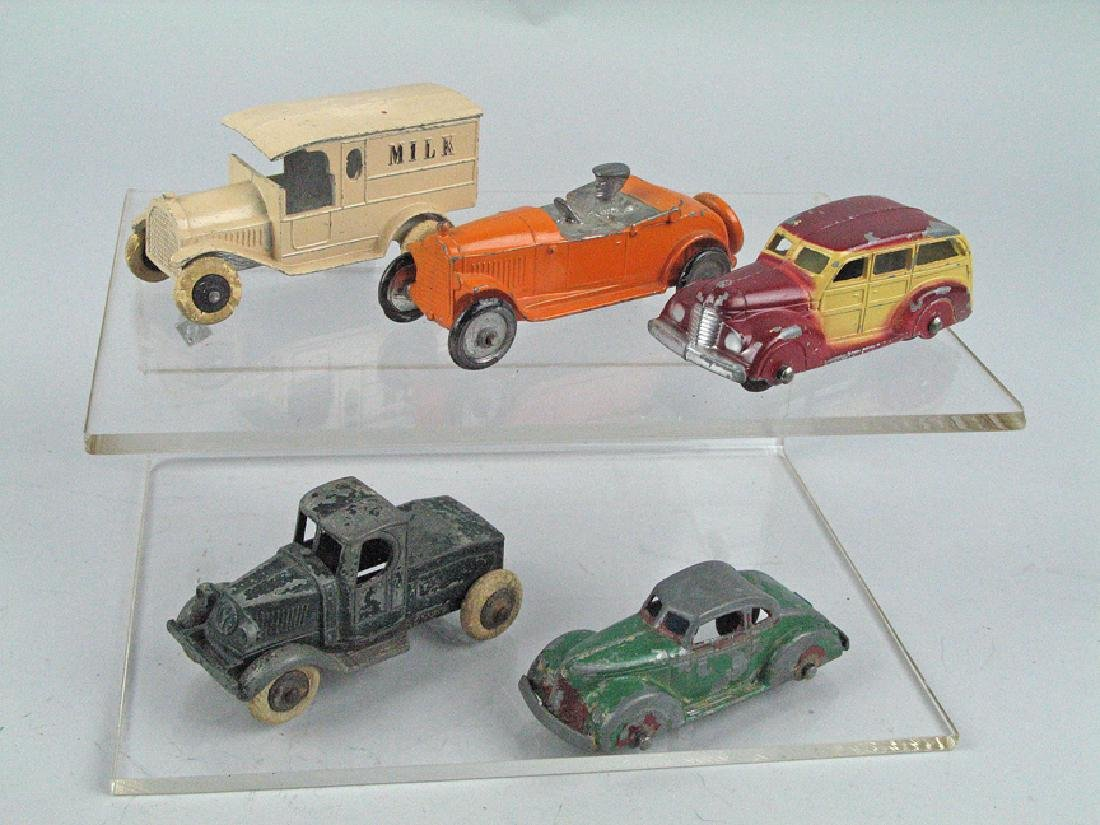 Tootsietoy Sedan Lot