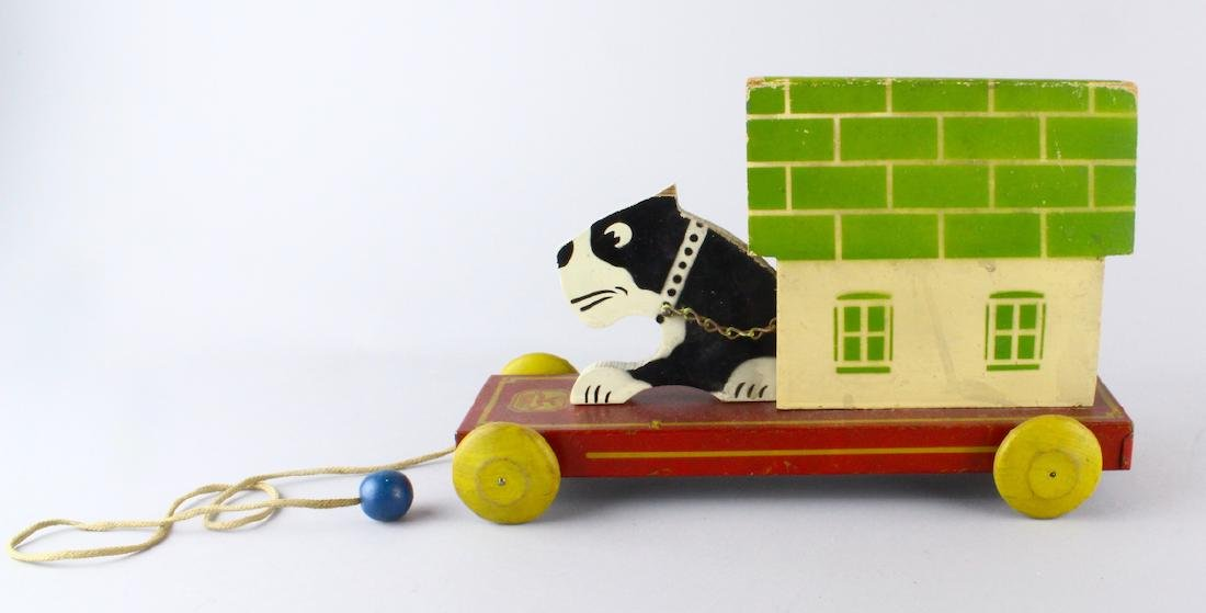 Hustler Toys Dog & Dog House Pull Toy