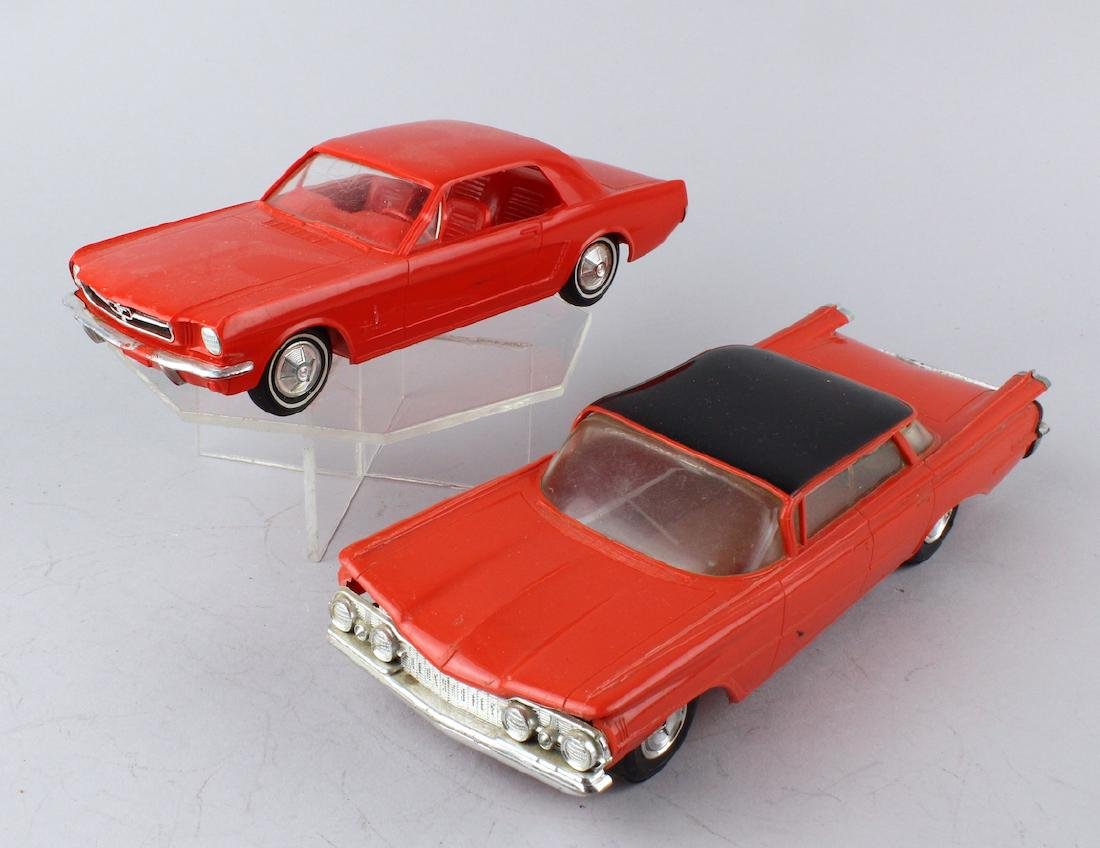 Promo Cars AMT 1966 Mustang & Oldsmobile