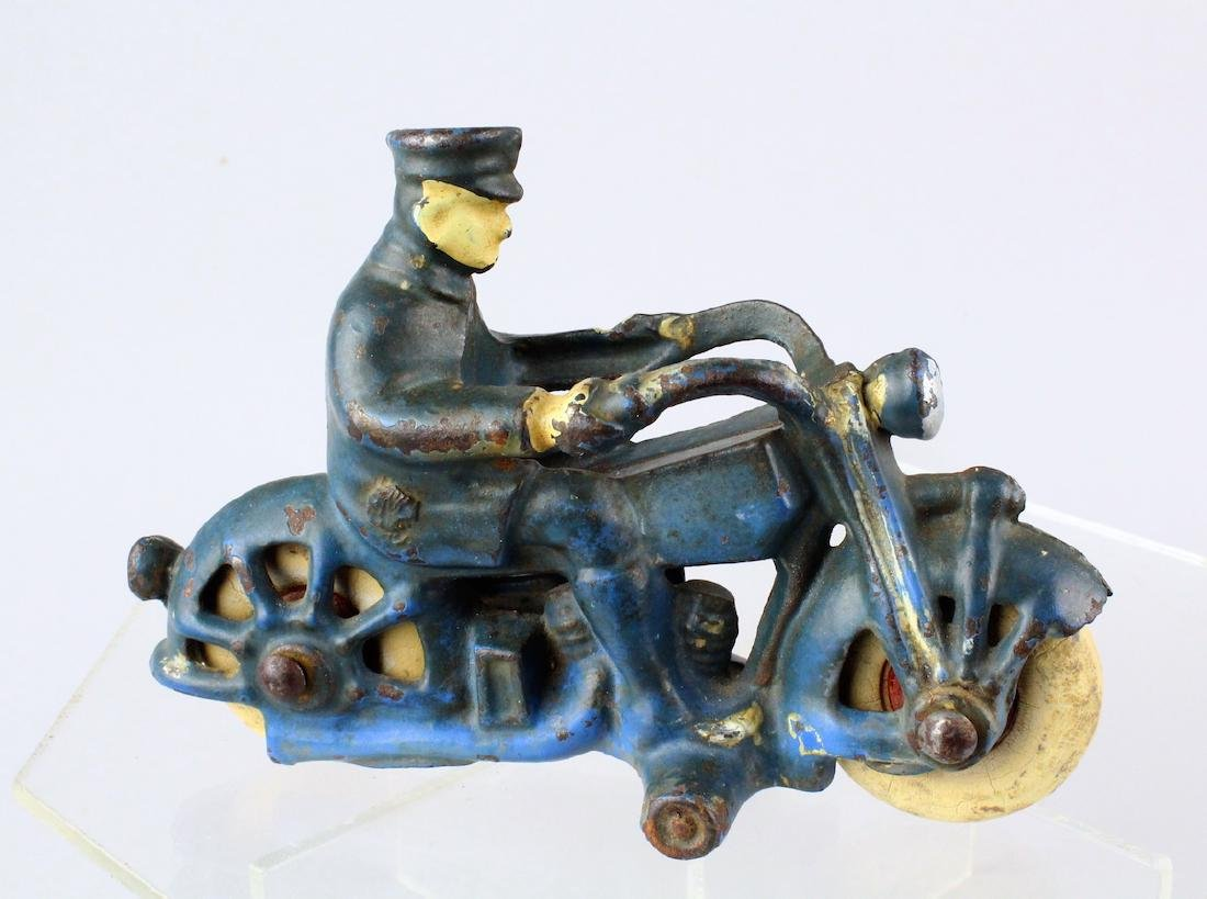 Hubley/AC Williams Cast Iron Motorcycle Cop - 2