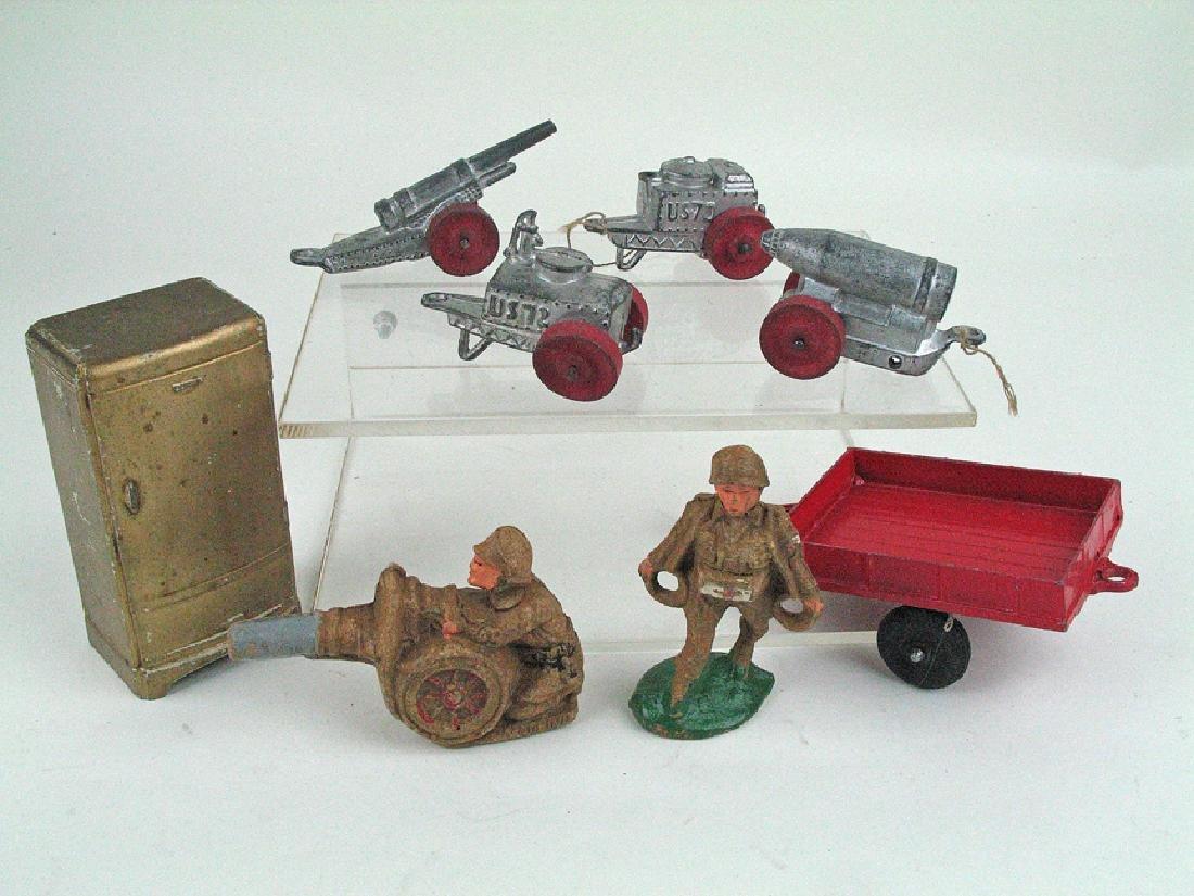 Tootsietoy WWI Vehicle & Figure Lot Slush Composition