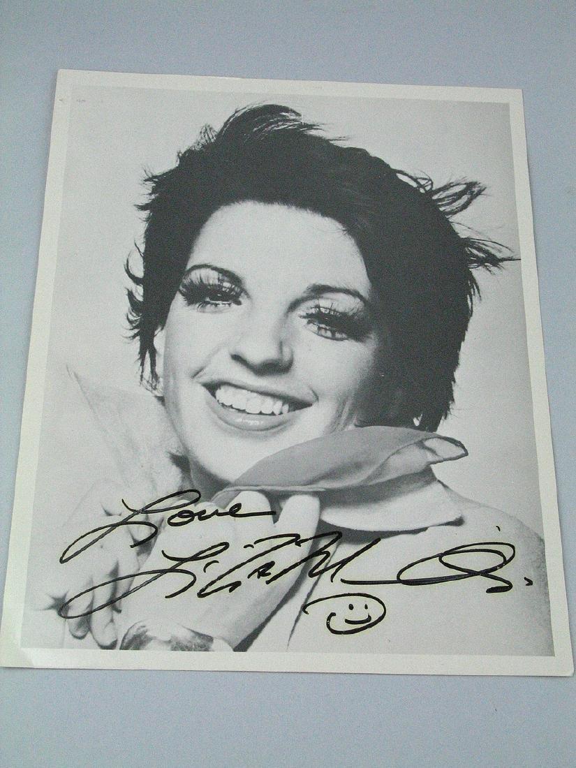 Liza Minelli Signed 8 x 11