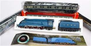 Hornby Seagull Engine  3 Passenger Cars