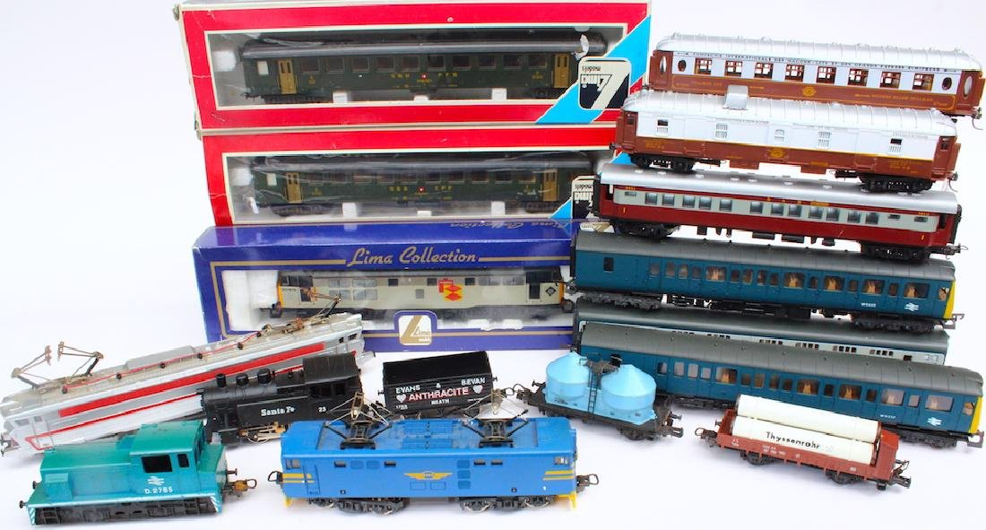 Lima HO Train Lot with 5 Engines - 2